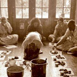 "Кришна Мангала дас ""Джаянанда и прасад"""