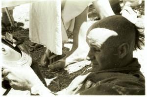 Джаянанда работает над колесницей. Сан-Франциско, 1970 г.