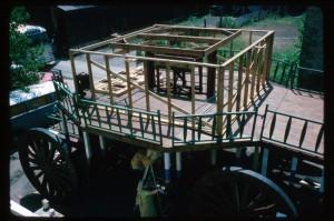 Подготовка колесницы к празднику Ратха-ятры. Сан-Франциско 1975 г.