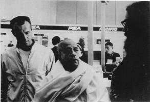 Джаянанда и Ален Гинсберг встречают Шрилу Прабхупаду в аэропорту