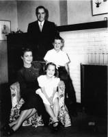 Семья Кор: мистер и миссис Кор, Джимми и Джанель