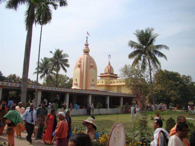 Фоторепортаж о праздновании Дня ухода Джаянанды Тхакура в Майяпуре. 2013 г.
